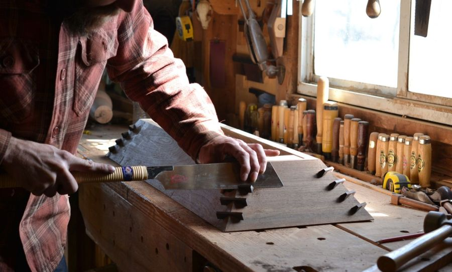 sawing dovetail keys