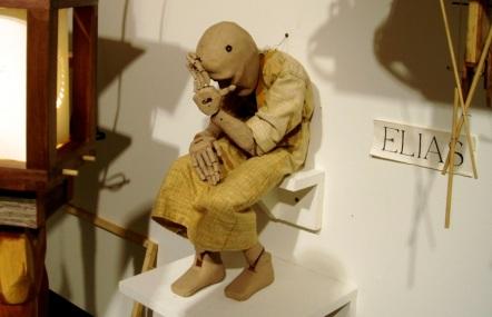 Elias, Marionette