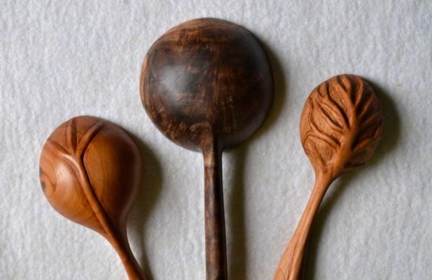 3 spoons detail
