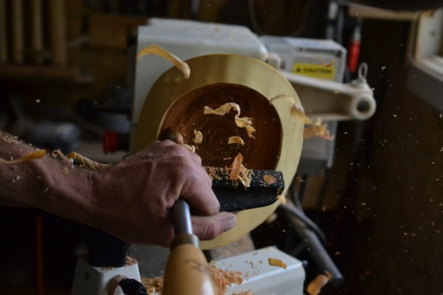 hollowing a kentucky coffee tree bowl